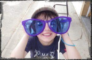 MJC Bussières - Enfant grandes lunettes